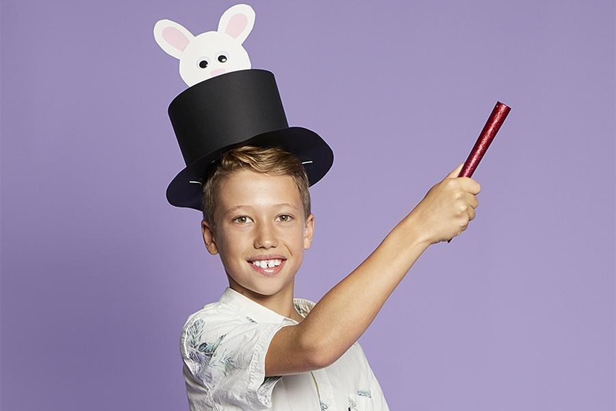 Easter hat ideas: cardboard Easter bunny top hat