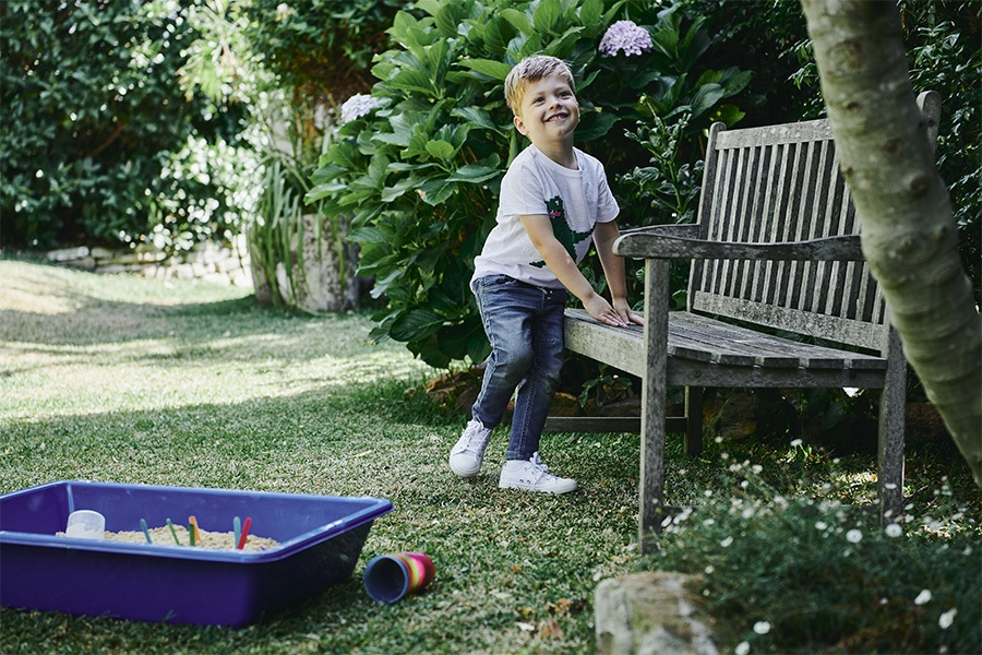 Playing outdoors boosts mood and wellbeing