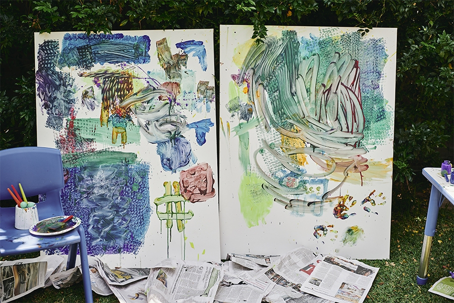 Outdoor kids activity: paint on canvas