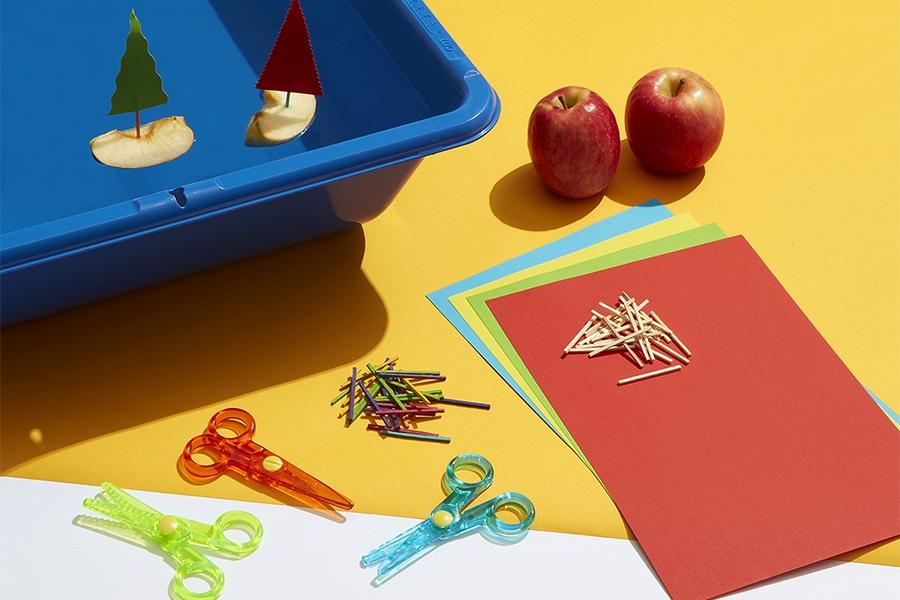 Simple STEM activities: Mini apple boat
