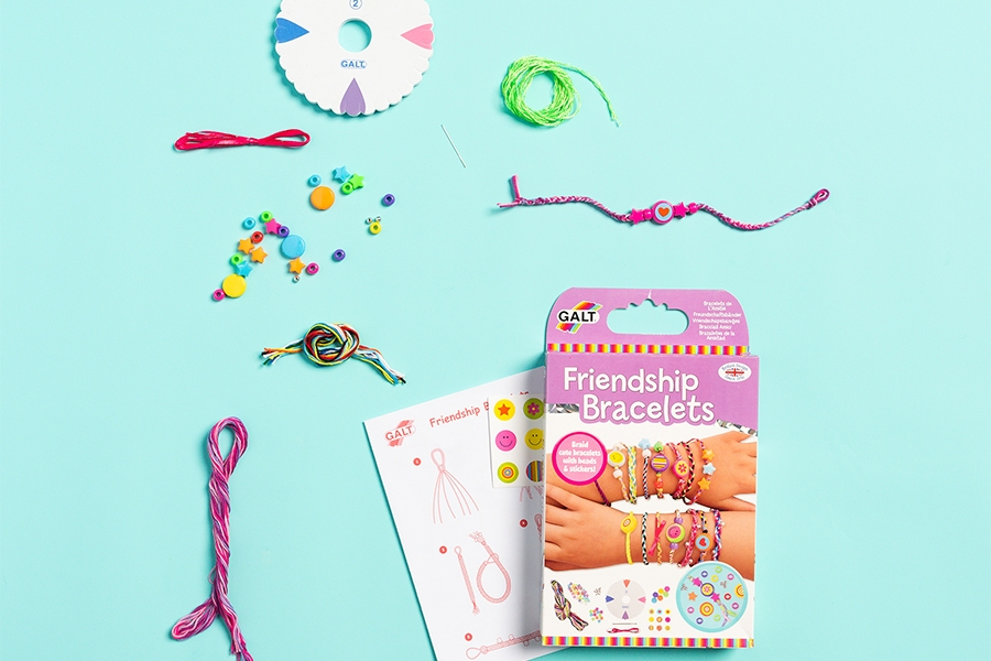 Officeworks friendship bracelet craft activity kit