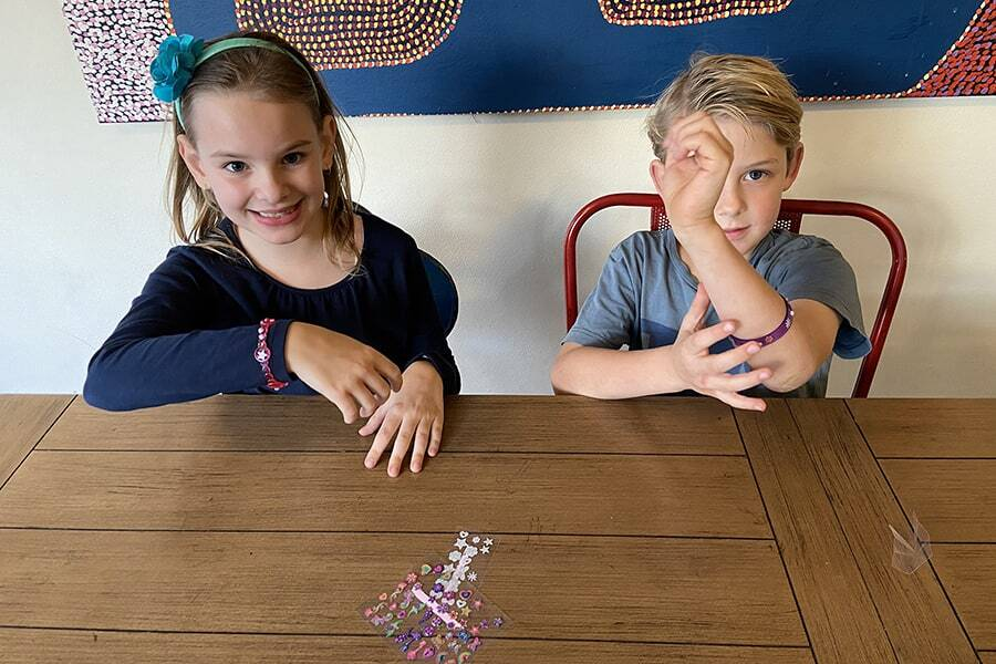 Craft activities for kids like bangle decorating can be fun family bonding time.