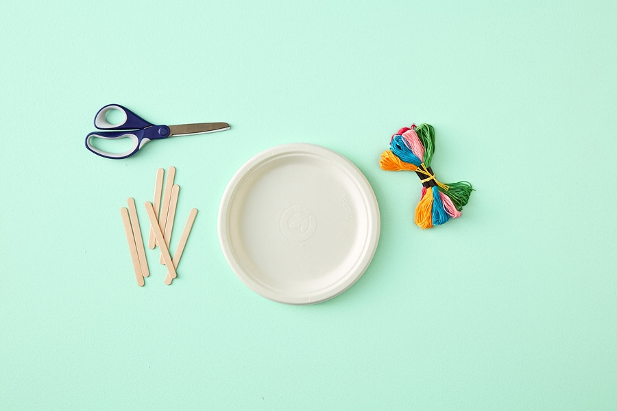 Easy kids paper plate crafts: what you need to teach them how to weave