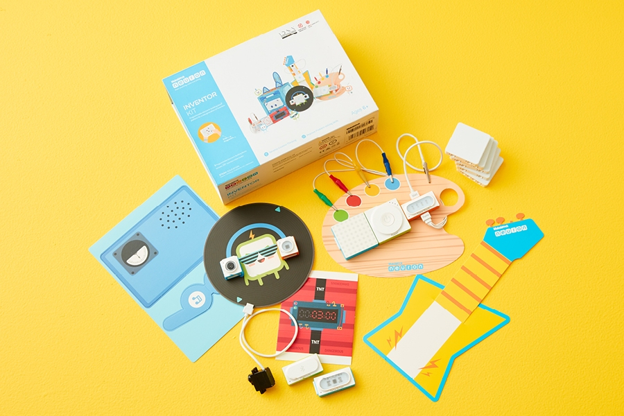 Early primary school kids review of the Makeblock Neuron Inventor Robotics Kit STEM toy