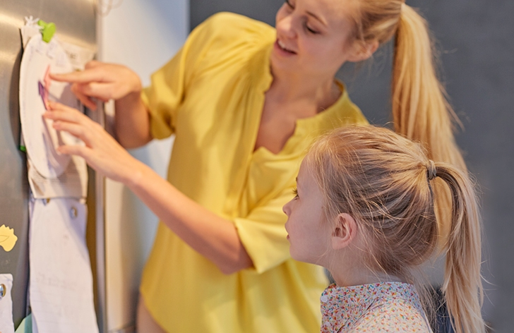 How to Make a Weekly Timetable With Your Kids
