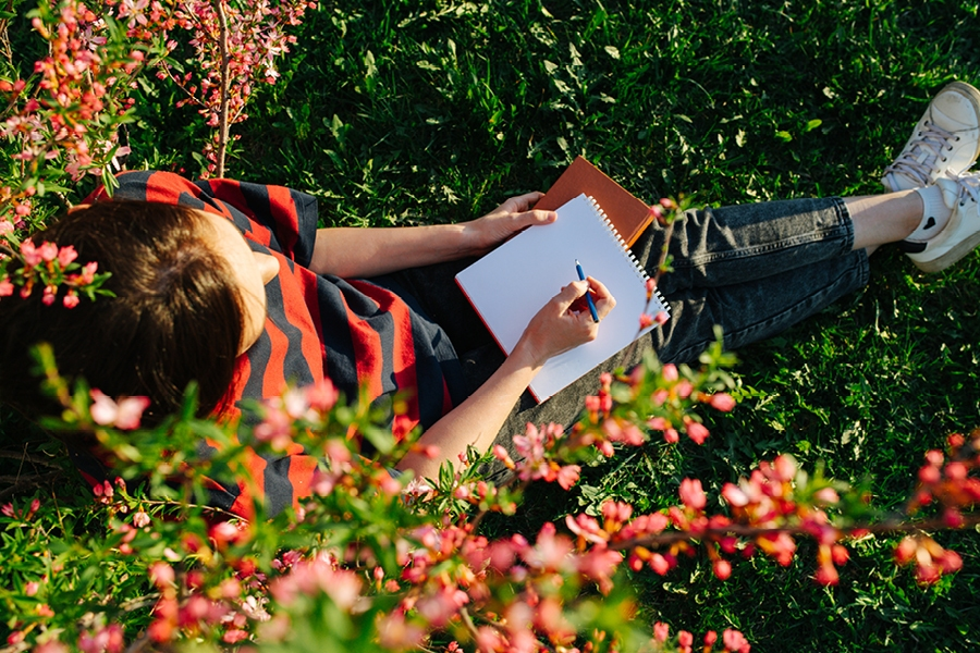 Taking regular breaks from homework by going outside can improve concentration.