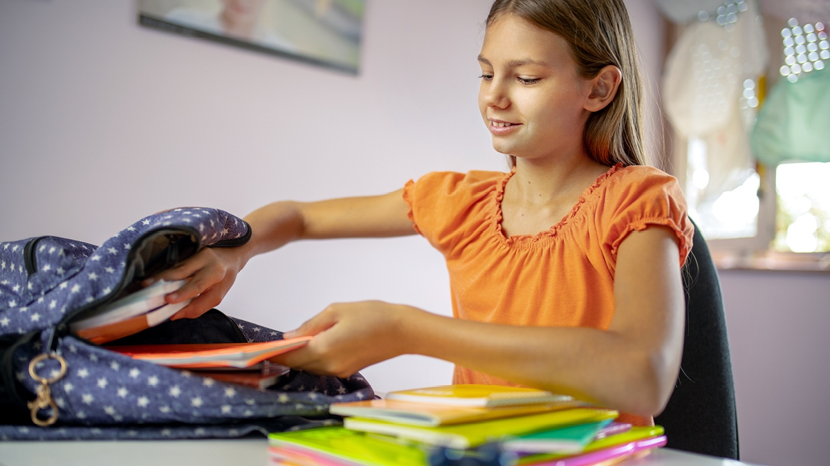 Get teens ready for the new school year with these back to school hacks for high school students.