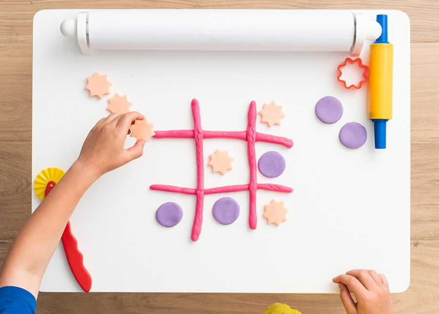 Playdough activity: noughts and crosses