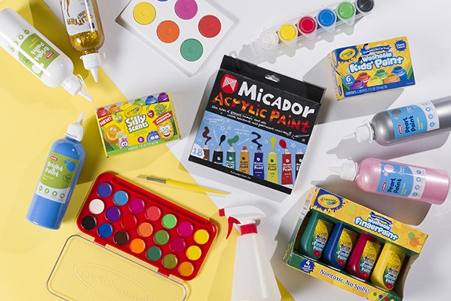 Kids paints: fingerpaint, watercolour, acrylic paints