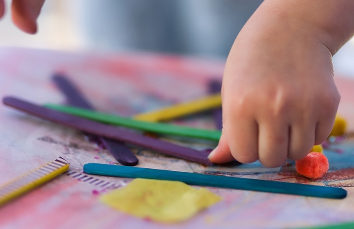 The Ultimate Craft & Play Timetable: 14 Activities for 14 Days