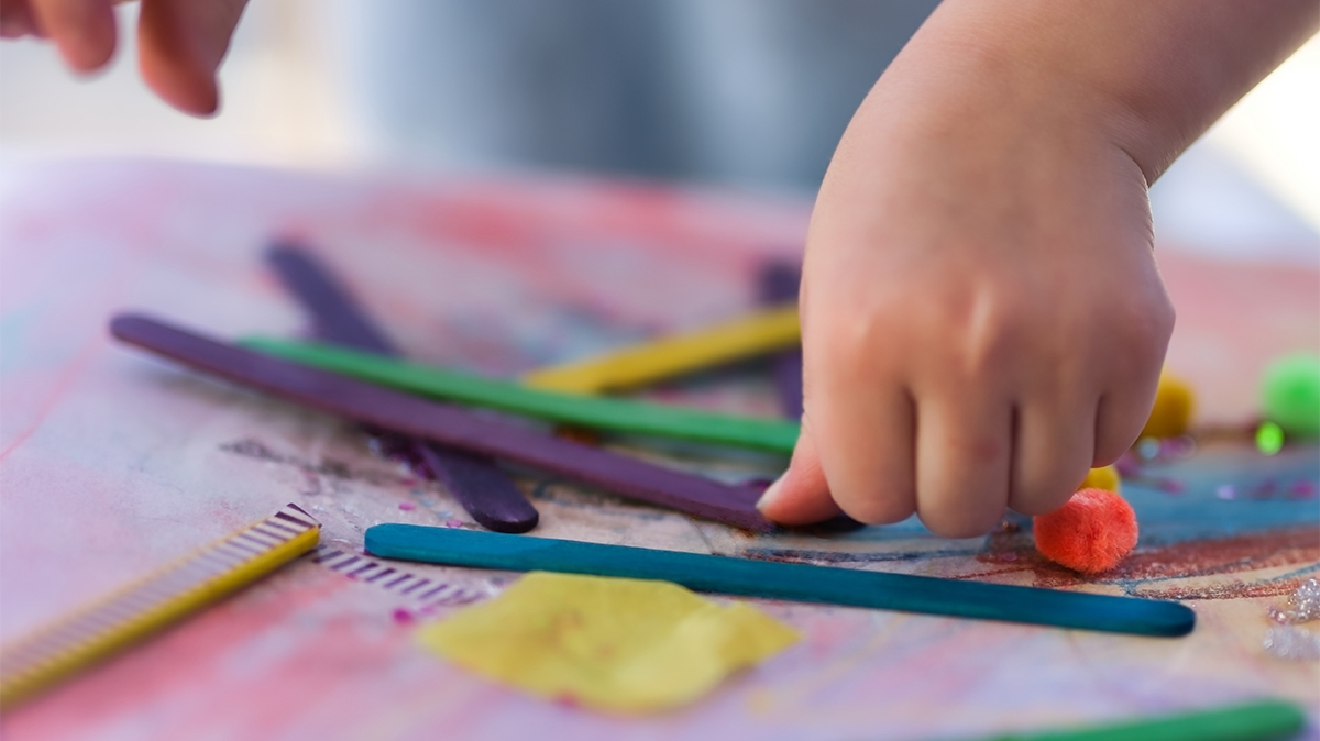 Art, craft & play timetable for kids