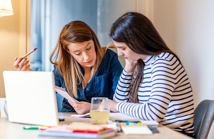 How to Manage a Busy School Schedule in Early High School